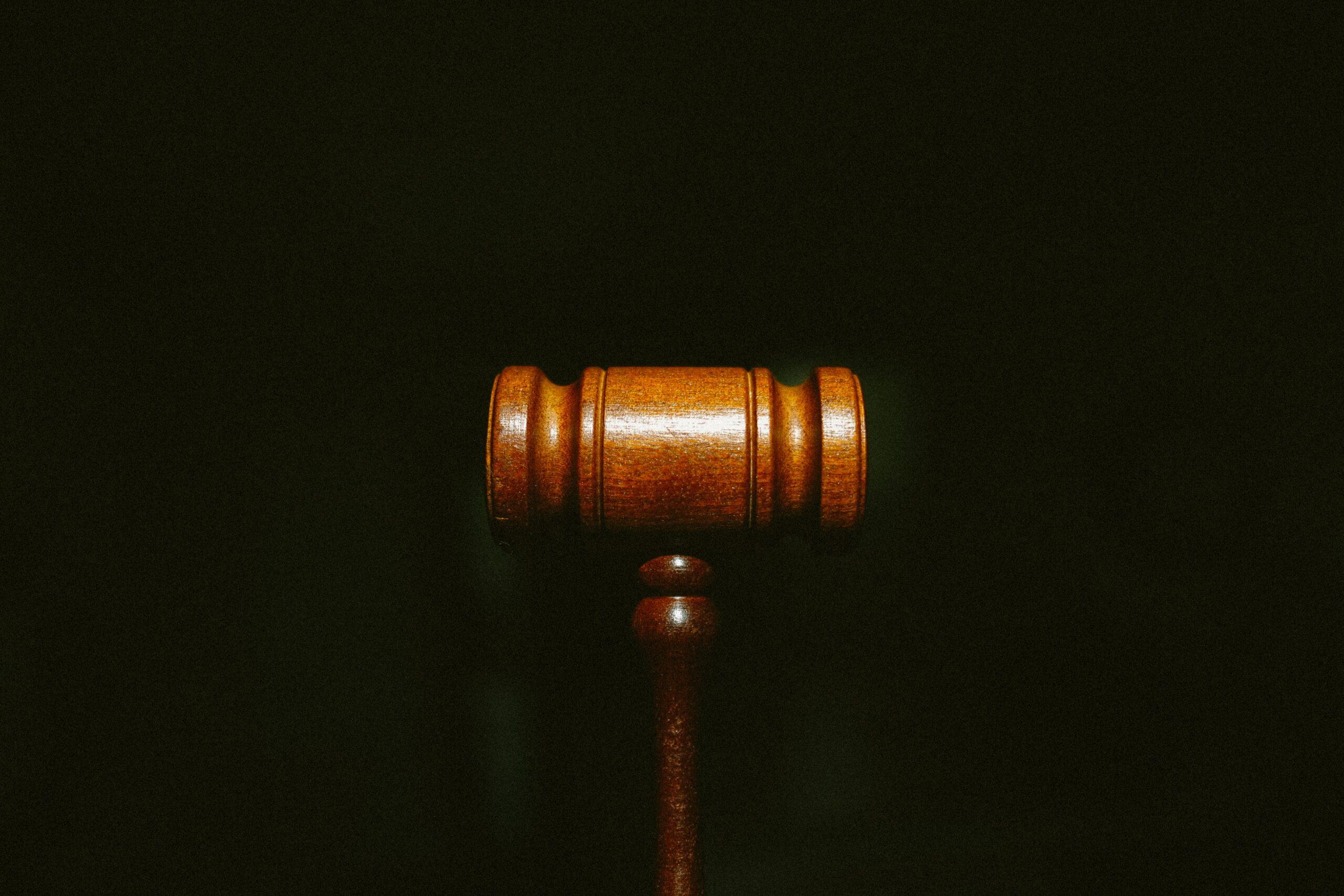 uchwała w przedmiocie powództwa o ustalenienie nieważności kredytu denominowanego lub indeksowanego